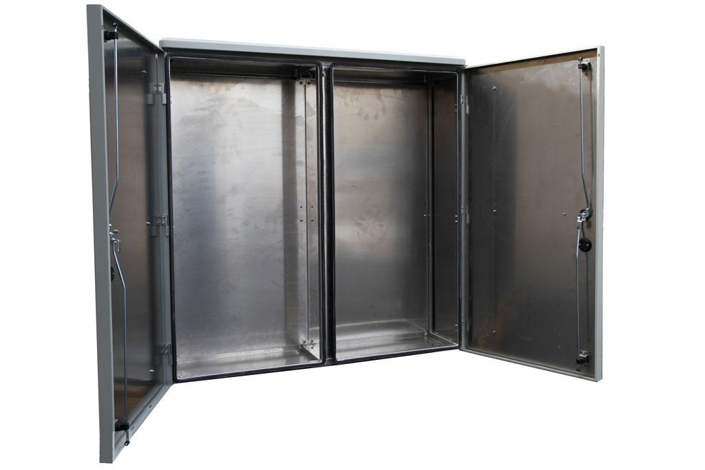 Dubbelvaggiga-Aluminiumskap-1400x1400x400-oppen